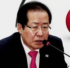한국당, 인물난에 '독단 공천' 반발까지..당내 파열음