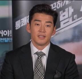 [투데이 연예톡톡] 윤계상, '불법 개조 차량 운전' 벌금 50만 원