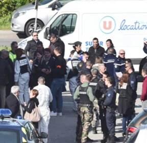 또 프랑스 관광지 덮친 IS..총기 테러에 3명 사망