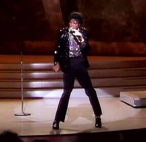 [오!클릭] 마이클 잭슨 '문워크 신발', 경매에 나온다!