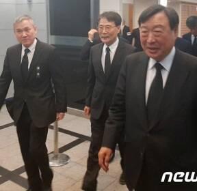 구본무 회장 조문 마친 장하성 청와대 정책실장