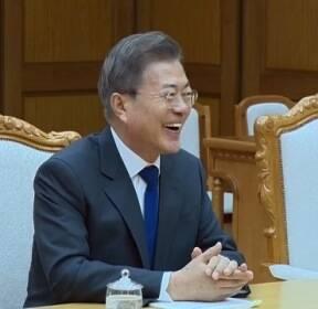 """[영상] 북 언론 """"북·미 정상회담 성공 위해 심도 있는 의견 교환"""""""