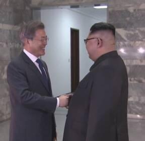 """김 위원장 요청에 전격 회동..""""북미 회담 의지 확인"""""""