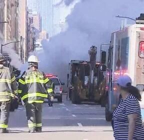 """뉴욕서 대형 증기 파이프 폭발..""""석면 검출"""" 대피령"""