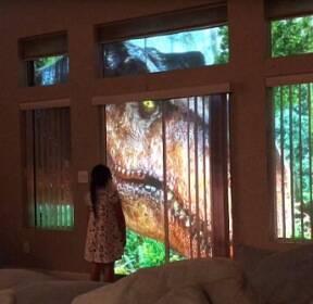 [월드피플+] 7살 딸 위해 거실에 '쥐라기 공룡 체험장' 만든 아빠