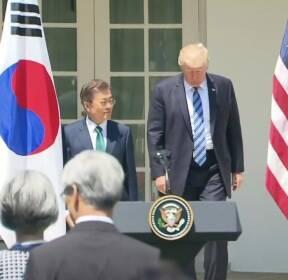 추석 밥상머리 민심..문 대통령 '완승'?