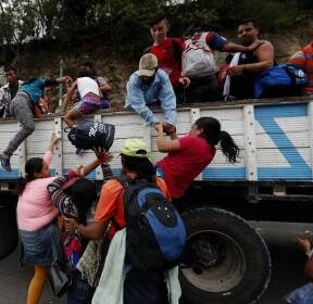 [서소문사진관] 희망 찾아 미국으로 향하는 온두라스 이주자 행렬
