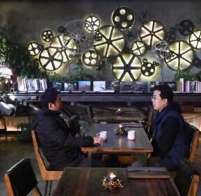 [포토 다큐] 녹슬다니요, 매력이 '철철'..이 골목, 예술이네요