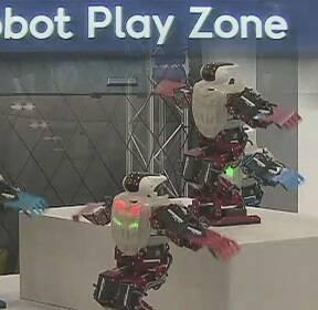 """[수도권] 청라에 로봇 체험관 개관..""""로봇산업 전진기지로"""""""