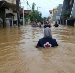 인도네시아 홍수 발생, 6명 사망
