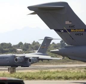 [서소문사진관]미국, 베네수엘라 인접 콜롬비아로 구호품 180t 공수