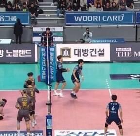 '김정호 21득점' KB손보, 우리카드 3-1로 잡고 5연승