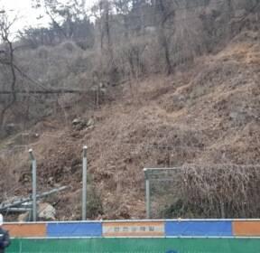 부산지하철 공사장 주변 산비탈 무너져..20여명 대피(종합)