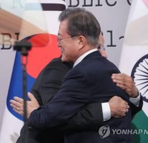 한·인도 정상 우정의 포옹