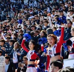 [서울포토] '야구의 계절이 돌아왔다'..열띤 응원 펼치는 팬들과 치어리더