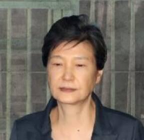 검찰, 구치소 방문해 박근혜 건강상태 확인..30분 면담