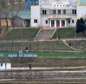 판문점선언 1주년 앞두고 바라본 북한 기정동 마을의 모습