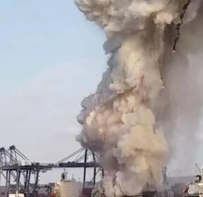 태국 항구 정박중인 한국 해운사 소속 선박에서 컨테이너 폭발