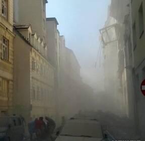 오스트리아 건물, 가스 누출 추정 폭발 '아수라장'