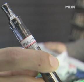 미 월마트 '폐질환 의심' 전자담배 판매 중단..복지부도 '사용 자제' 권고