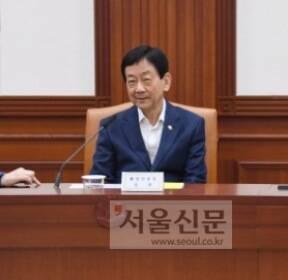 [서울포토] 이야기 나누는 장관들