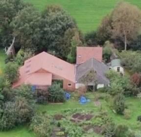 [해외 이모저모] 네덜란드 농장서..9년간 '감금생활' 가족 구조