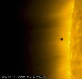 100년에 13번만 볼 수 있다는 수성의 '미니일식 우주쇼'