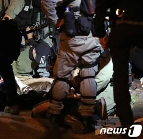 탈출 막힌 홍콩 시위대