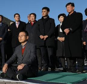 <포토> 황교안 '단식 시작은 청와대 앞, 국회에서 이어간다'
