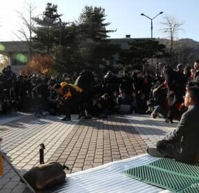 [사진]단식 투쟁 돌입한 황교안 대표
