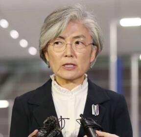 """[현장연결] 강경화 """"日태도·한미관계 등 검토해 결정"""""""