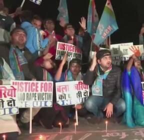 인도, 잇단 강력 성범죄에 정부 규탄..물대포까지