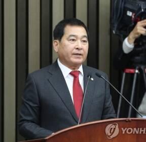 정견발표 하는 한국당 심재철 원내대표 후보