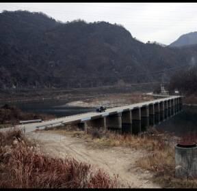 [포토에세이] 기억이 강 너머 서성거리네 / 김봉규