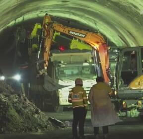 터널사고 사망 5명으로 늘어..사고 무렵 영상 확인해 보니