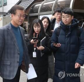 질문받는 민주당 원혜영 공천관리위원장
