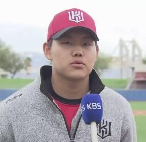 '투수판 강백호?' KT 소형준 1이닝 2K 호투