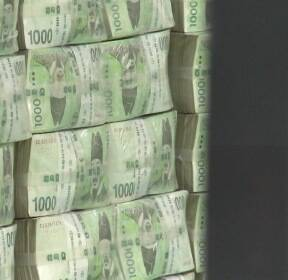 [아침토론] 코로나19에 구멍 뚫린 나라 살림..재정 운용 정답은?