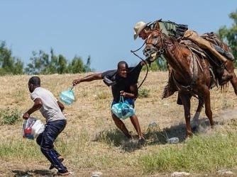 """미국을 비판한 미국 대사..아이티 특사 """"이민정책 비인간적"""""""