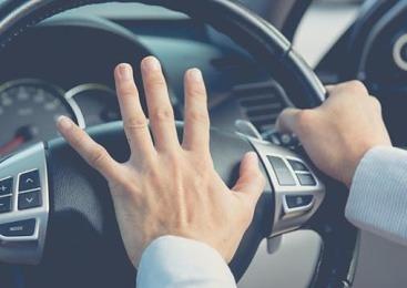 위협운전 가해자와 원인 제공자 누가 더 잘못인가