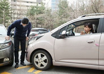 [자동차사고 몇대 몇!] 대형마트 주차장에서 '꽝'..좌회전차 VS 직진차 과실은?