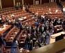 美 법무부, 의회 난동 용의자 최소 150명 추적 중