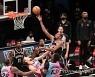 """""""축 합격"""" NBA 브루클린 듀란트-하든-어빙 '삼각편대' 가동 후 첫 승리..커리는 통산 3점슛 2위"""