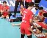 승리 기쁨 나누는 박철우와 한국전력 [사진]
