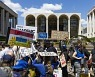 USA NEW YORK UNION WORKERS RALLY AT MET OPERA