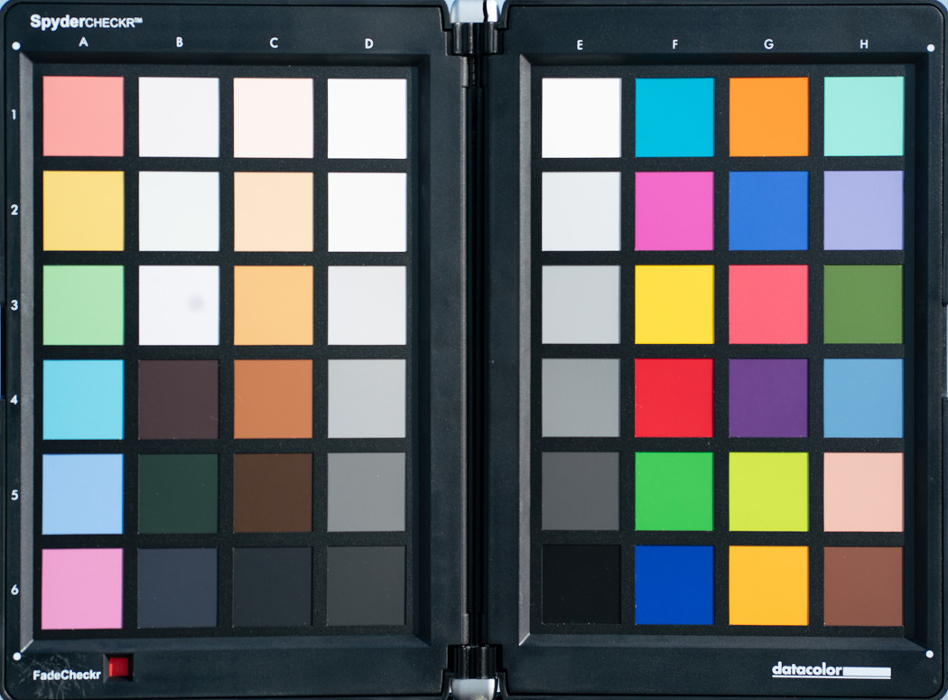 렌즈 제조사별 발색 차이 및 극복 방법:소니 vs 삼양 vs 시그마