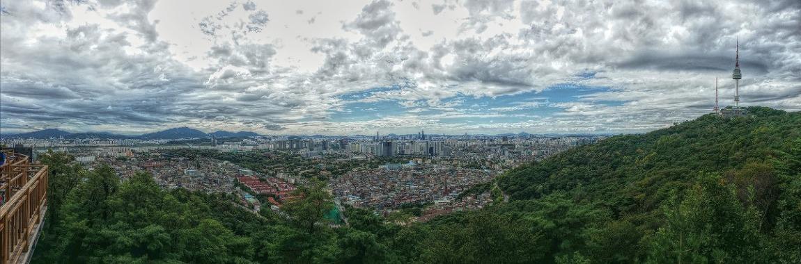 서울 남산 전망대에서...