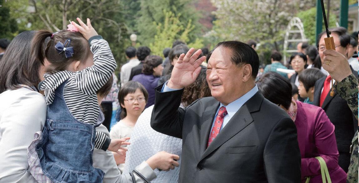 휘선 박윤식 목사님 사진입니다.