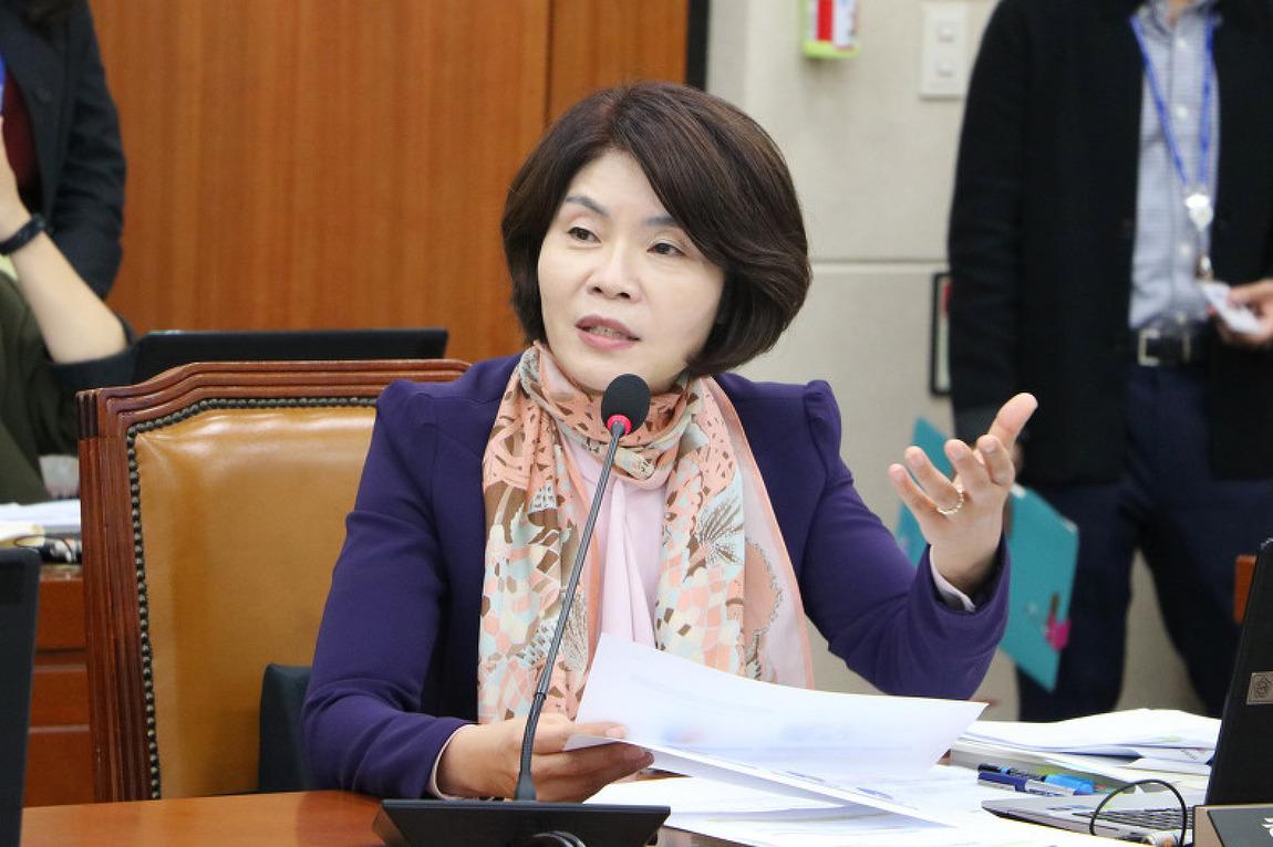 [경향신문] [단독]'쪼개기 계약' 노동자 무기직 지위 첫 인정
