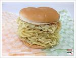 [도쿄음식] 라면과 햄버거의 콜라보, 라면버거!